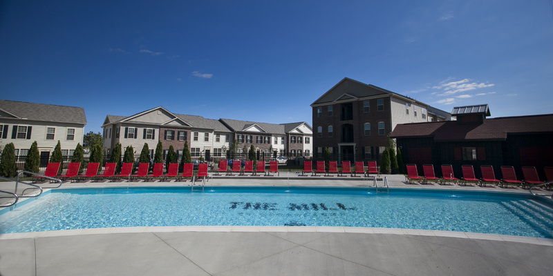 LC The Mill Apartments | Pool